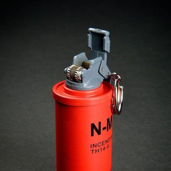 Feuerzeug im Granaten Design - Sturmfeuerzeug Granatnendesign - Geschenke für Männer kaufen Incendiary Nade 3