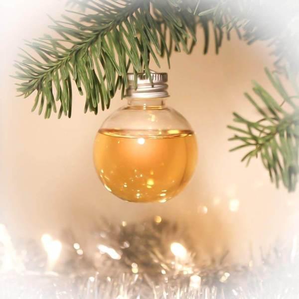 6 Whisky Weihnachtskugeln - Premium Whisky - Weihnachtsgeschenke für Männer – Geschenke zur Vorweihnachtszeit – Stressfreie Weihnachten – Titelbild