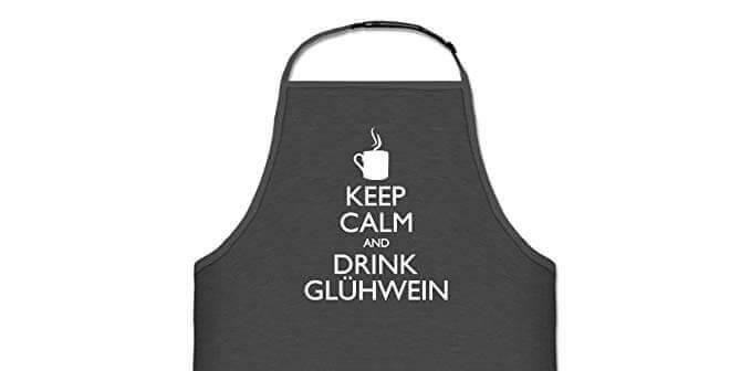 Wie wir wissen grillen Männer das ganze Jahr über! Gerade zur Weihnachtszeit bedarf es da auch einer ganz besonderen Grillschürze! Keep Calm and Drink Glühwein!