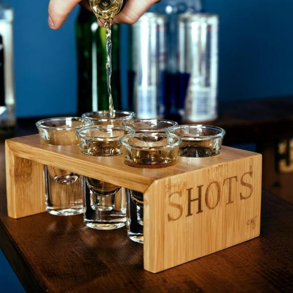 11 6 edle Premium Schnapsgläser - Edles Shotgläser-Set im Bambus Ständer - Unzerbrechliche Shot Becher - Tequila Gläser - Schnaps Becher - Stamperl - Pinneken - Pinnchen - Schott Glas - Gläser Set