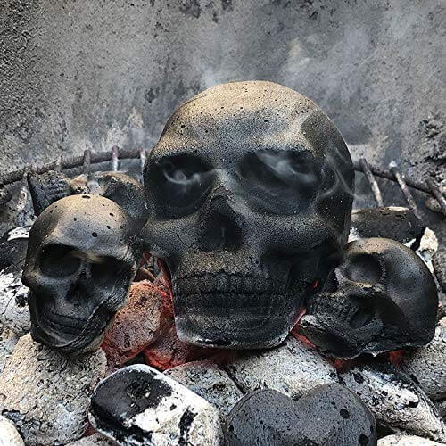 Totenkopf Grillkohle Kohlebriketts besonderes Grill Erlebnis Großer Kopf 2