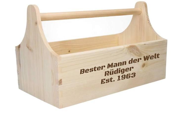 Produktbild einer Geschenkidee Personalisierter Werkzeugkasten - personalisierbarer Werkzeugkasten - Werkzeugbox - Männergeschenk -Geschenkidee für den Mann - gravierte Geschenke - Lasergravur