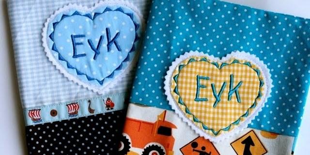 U heft Hülle bestickt mit Eyk   Baustellen Stoff   waseigenes.com