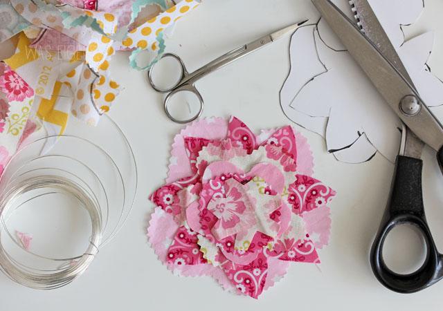 DIY fabric flower   Stoffblumen selber basteln & nähen   was eigenes Blog