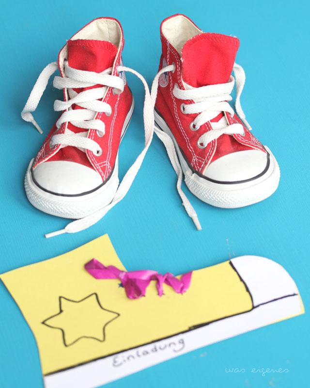 DIY Einladung   Kindergeburtstagseinladung   Einladung zum Kindergeburtstag selber basteln   Chucks aus Papier   waseigenes.com