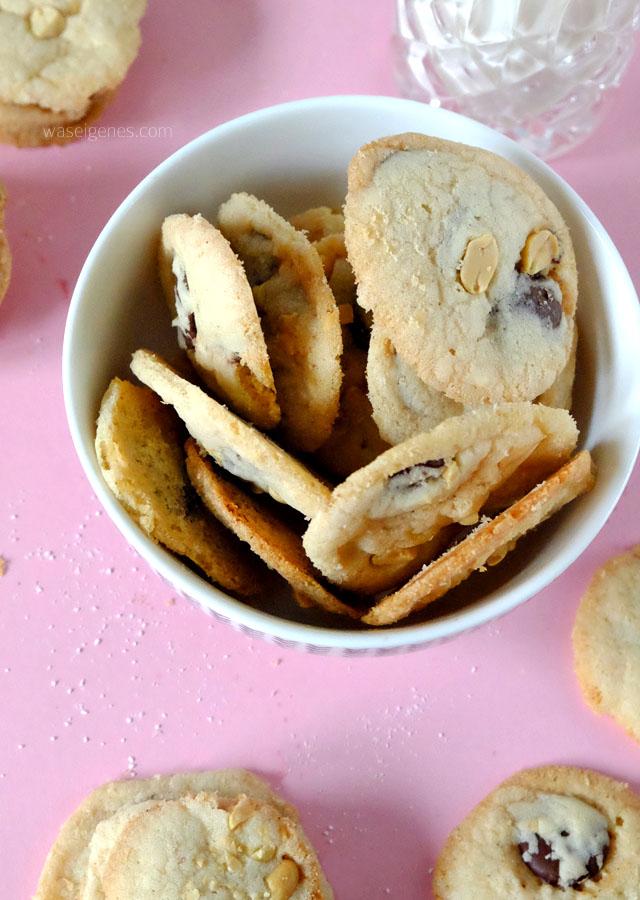 kochzauber-adventsbox-waseigenes-blog-cookies-mit-erdnuessen-und-schokotropfen-2