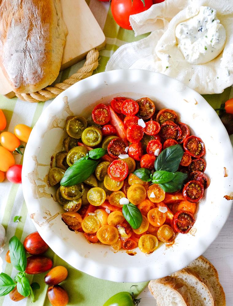 Lauwarmer Tomatensalat mit selbst gemachtem Frischkäse | waseigenes.com