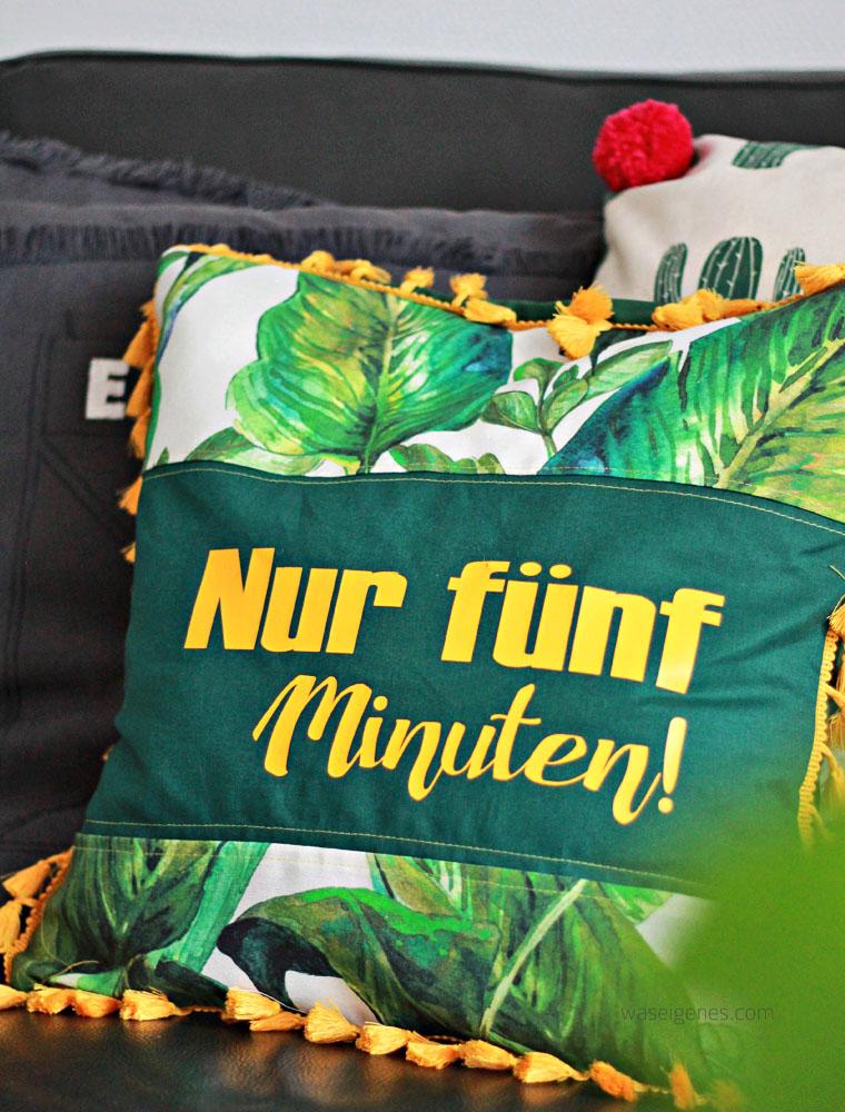 "DIY Kissenbezüge nähen | urban jungle | Pflanzenprint | Kissen ""Nur fünf Minuten"" | waseigenes.com"