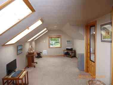 master-bedroom-upstairs
