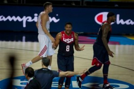 United States's Rudy Gay, center, protest to referee during the Group C Basketball World Cup match against Turkey, in Bilbao northern Spain, Sunday, Aug. 31, 2014. The 2014 Basketball World Cup competition take place in various cities in Spain from  last Aug. 30 through to Sept. 14. (AP Photo/Alvaro Barrientos)
