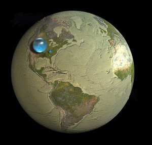 Large bubble atop the central United States represents the volume of all of Earth's water, including oceans and groundwater. (USGS)