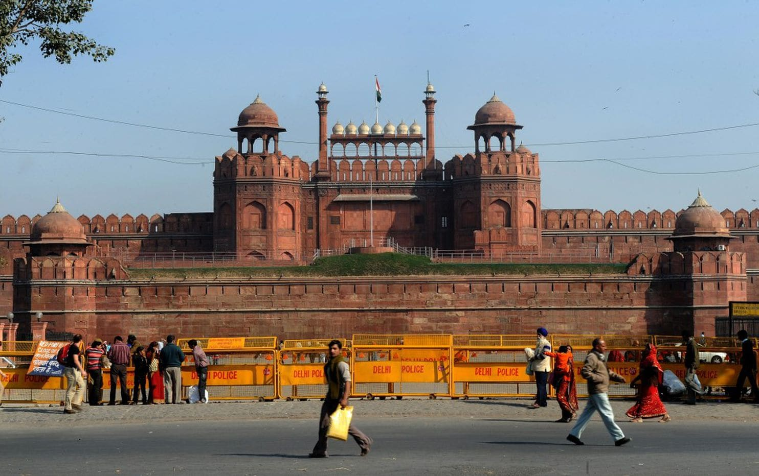 Corporate Takeover Of Indias Landmark Red Fort Alarms