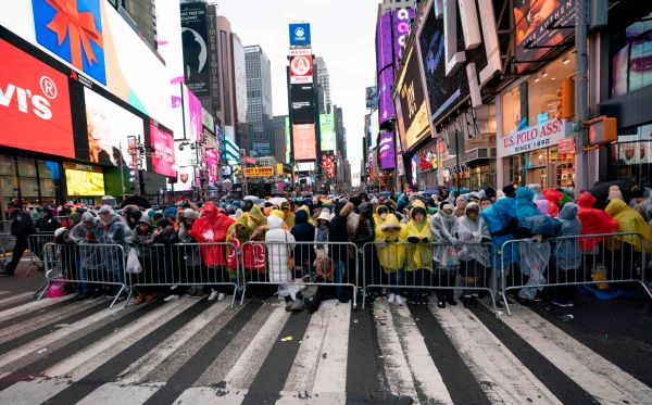 The NYPD's latest tool for keeping Times Square revelers ...