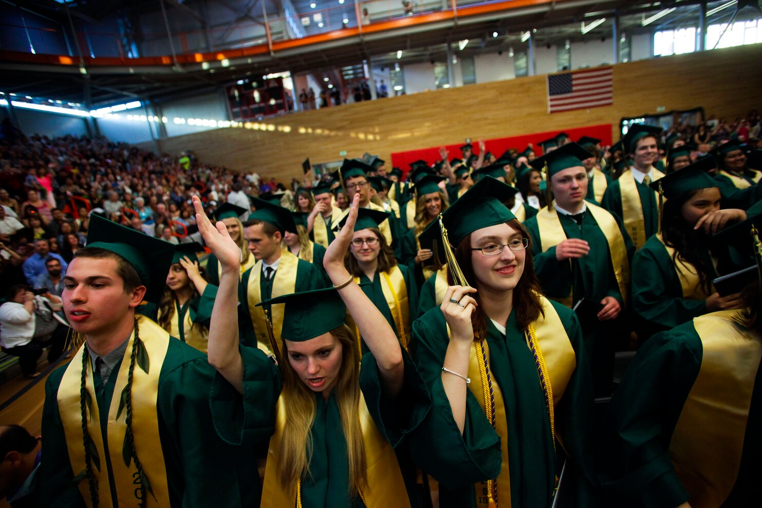 Minorities and whites follow unequal college paths, report ...