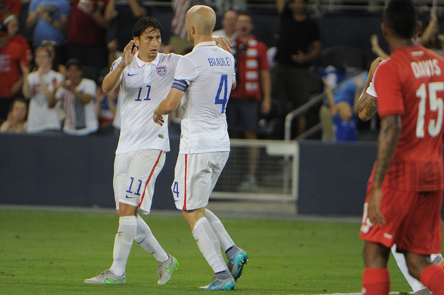 U.S. men's soccer team caps Gold Cup group play with 1-1 ...