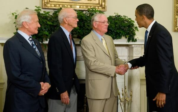 Neil Armstrong first man to walk on moon dies at 82