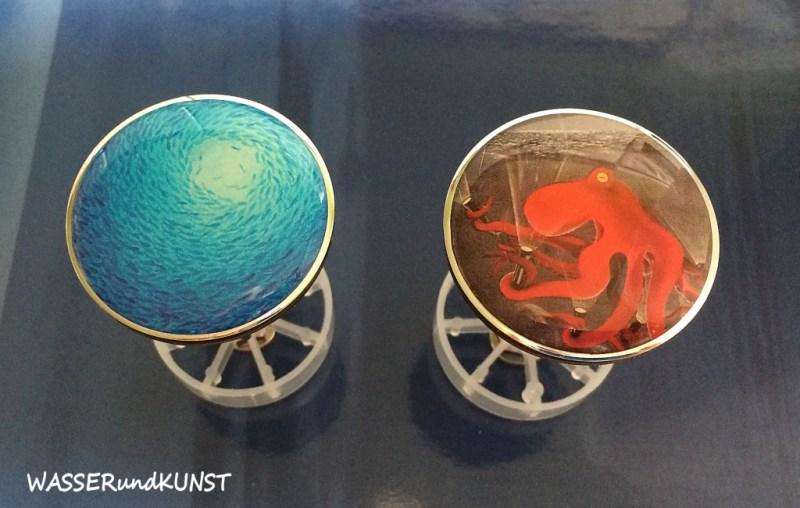 Waschbeckenstöpsel mit Fischschwarm oder rotem Oktopus