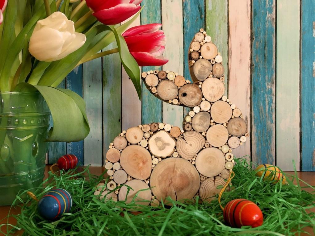 Osterhase aus Treibholzscheiben