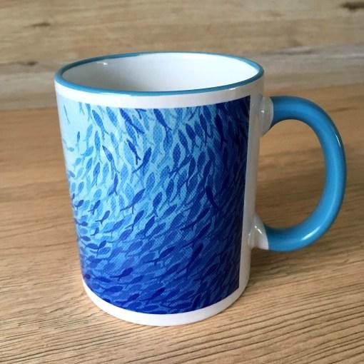 Trinkbecher Tasse mit Fischschwarm