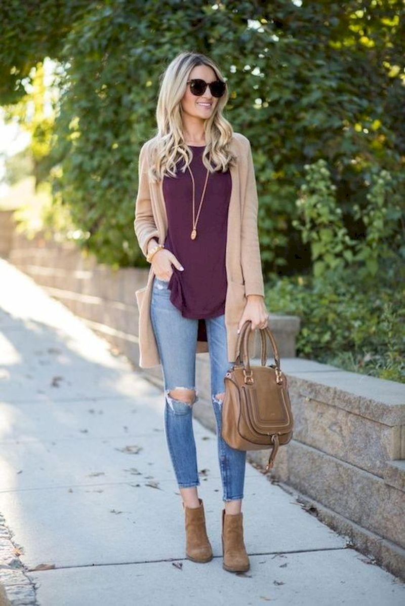 Cardigan outfits with ripped jeans and ankle boots