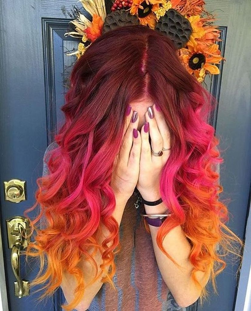 Spring hair for women with pink, red and brown