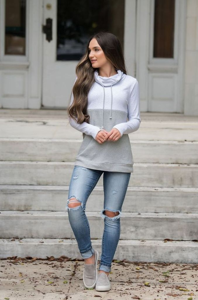 Spring outfit with combination grey sweater and ripped jeans