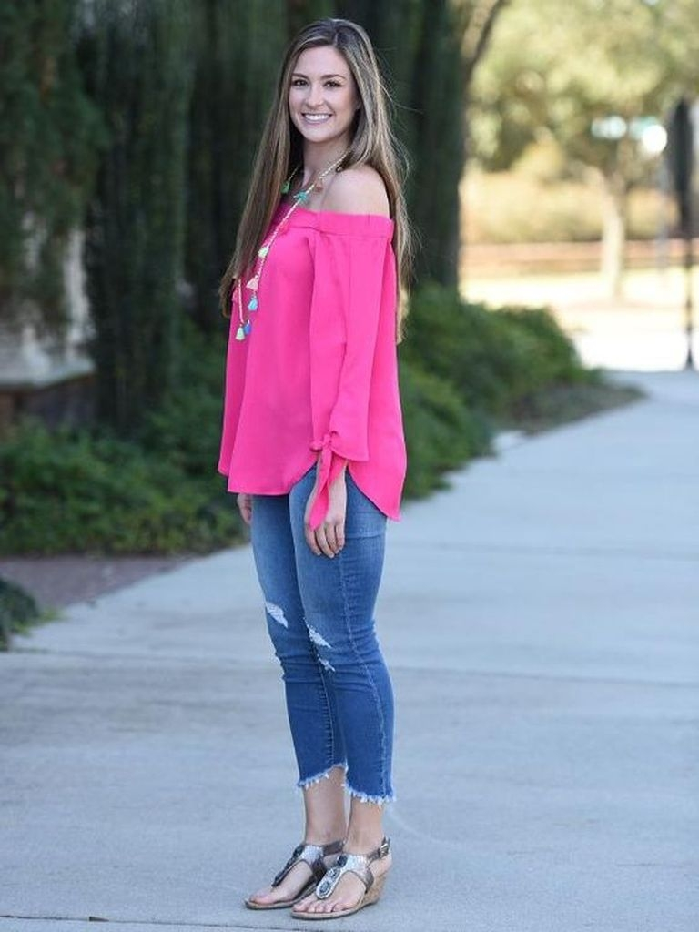 Spring outfit with jeans and pink blouse