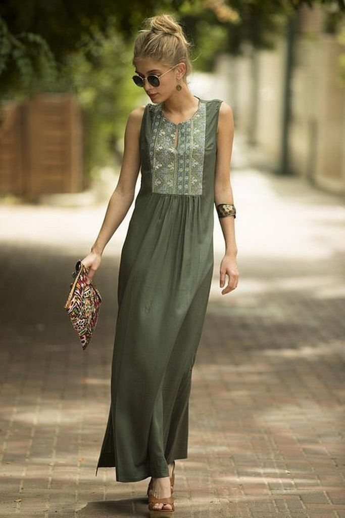 Embroidered flower maxi dress with green old color