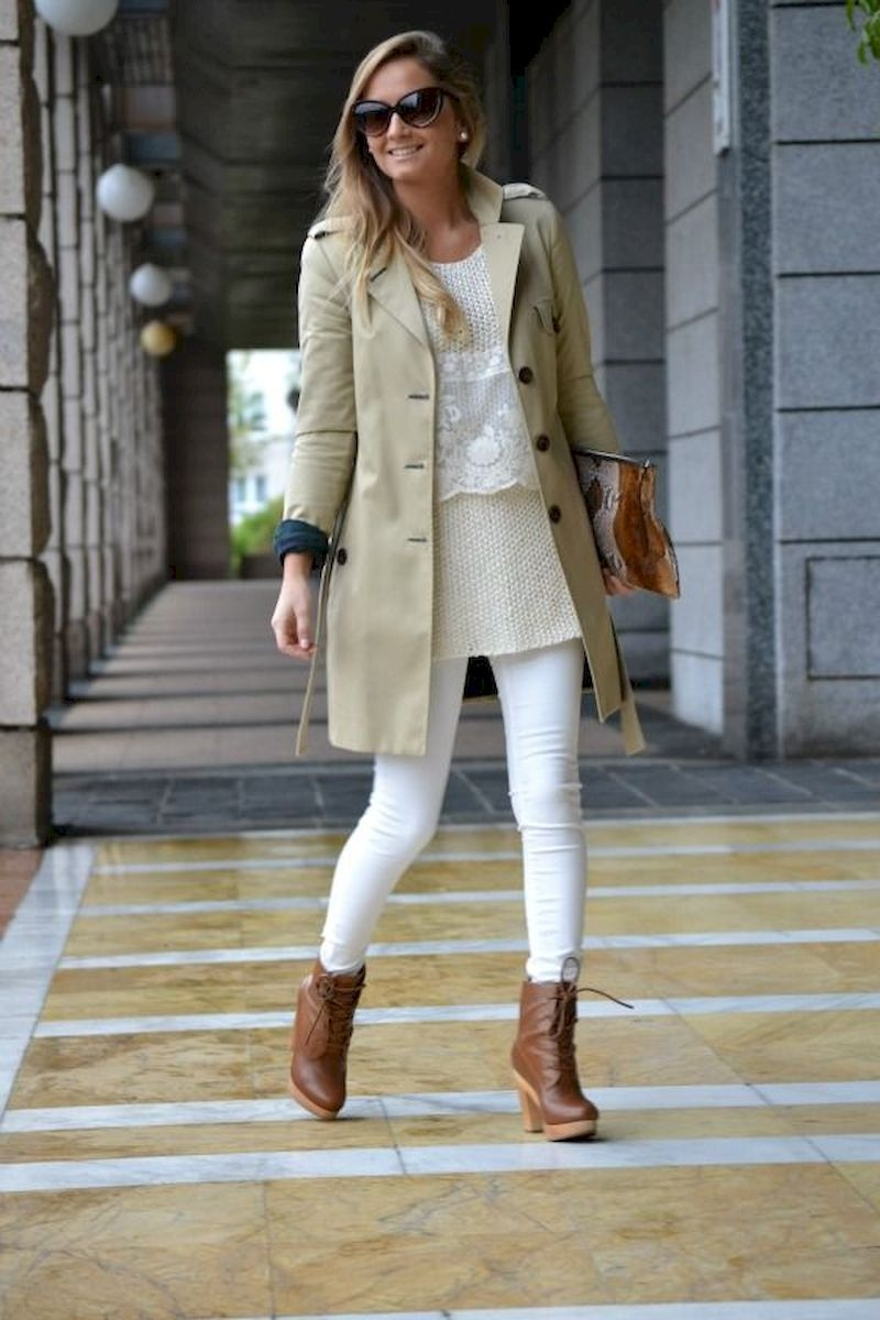 Women outfits with white jeans and ankle boots