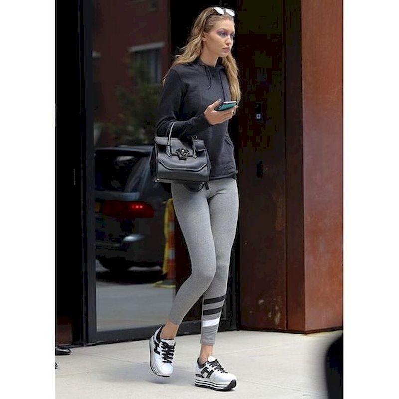 Sporty outfits for school with legging and sneaker