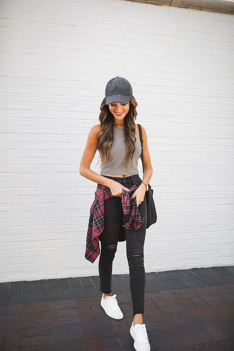 Sporty outfits for school with ripped pant