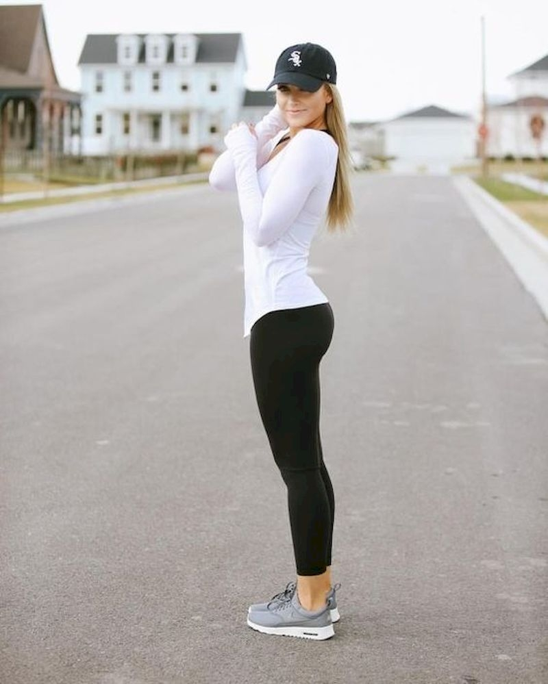Sporty outfits for school with white t-shirt long sleeve