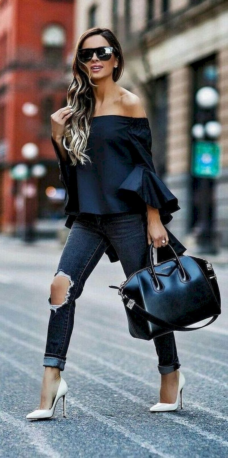 Casual spring outfits with ripped jeans and high heels