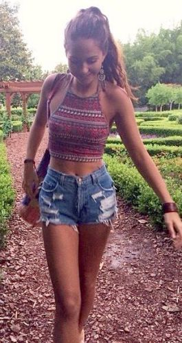 35 Adorable Bohemian Fashion Styles For Spring Summer (23)