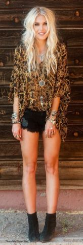 35 Adorable Bohemian Fashion Styles For Spring Summer (35)