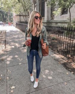 51 Fall Travel Outfit Ideas For You Who Always On The Go (24)