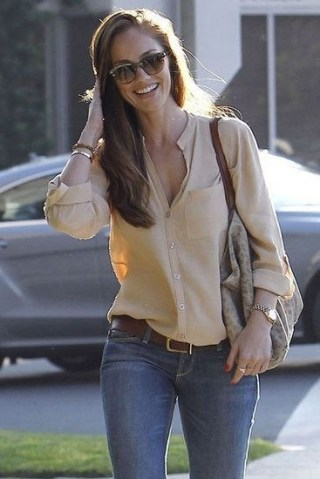 51 Good Inspiration Casual Outfits for Beautiful Women (16)
