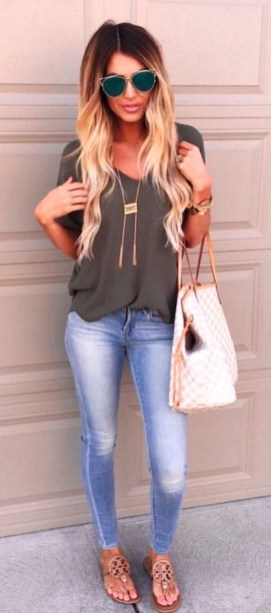 51 Good Inspiration Casual Outfits for Beautiful Women (23)