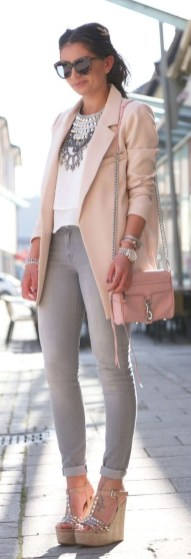 51 Good Inspiration Casual Outfits for Beautiful Women (26)