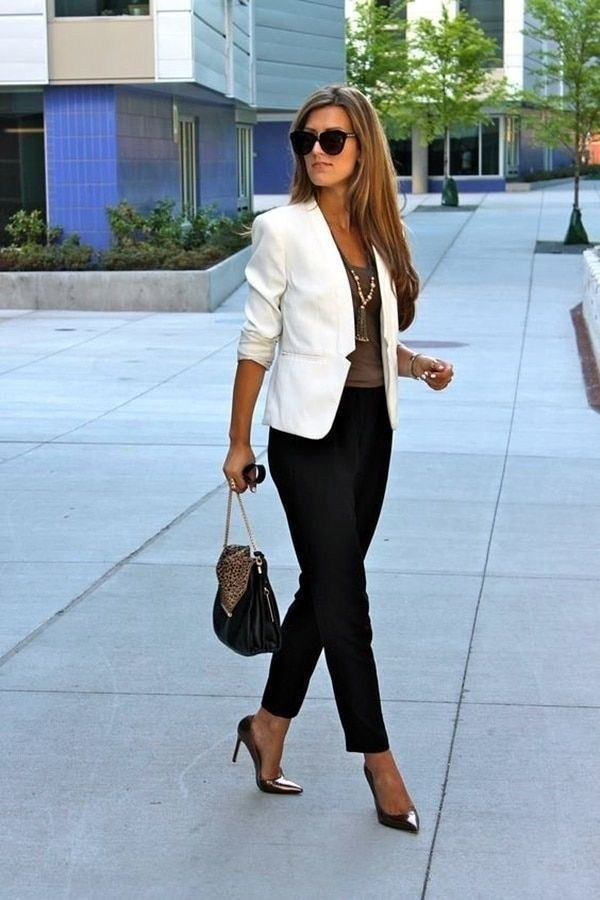 51 Good Inspiration Casual Outfits for Beautiful Women (45)