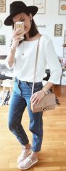 casual-spring-outfits-that-are-suitable-for-women-today-35