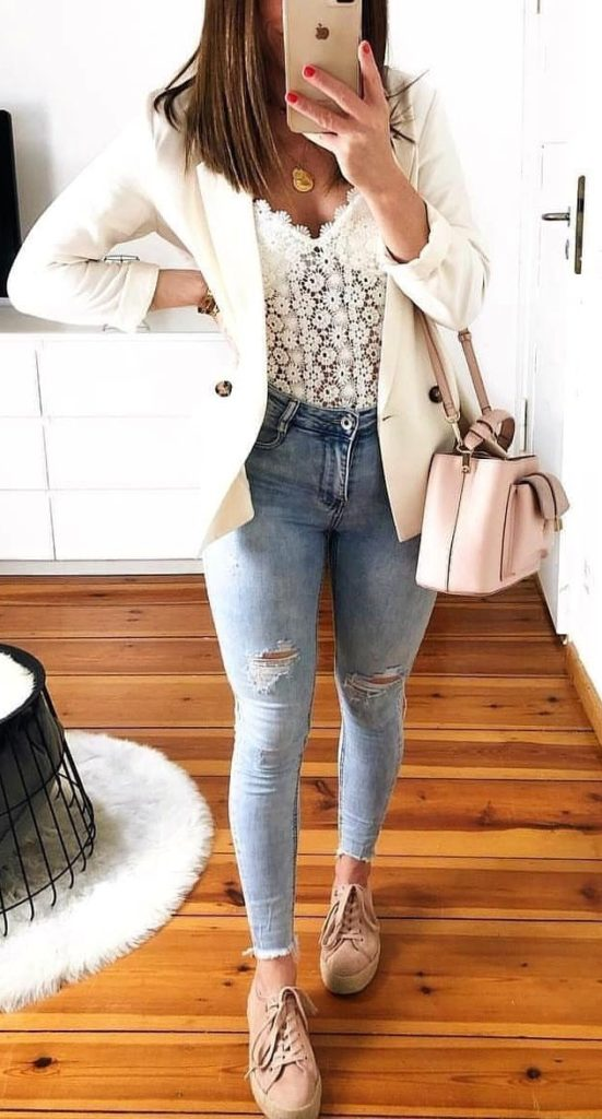 25+ Brilliant Summer Outfits To Copy ASAP - blue distressed skinny jeans #summer #outfits #summeroutfits #summerfashion #summerstyle