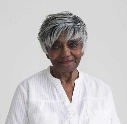 Short Haircuts for Older Ladies-15