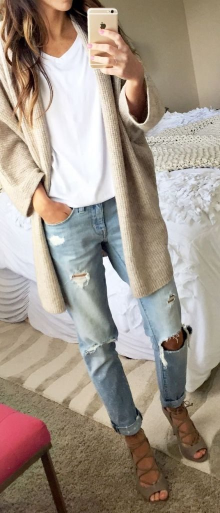 #fall #outfits / Beige Cardigan - Boyfriend Jeans