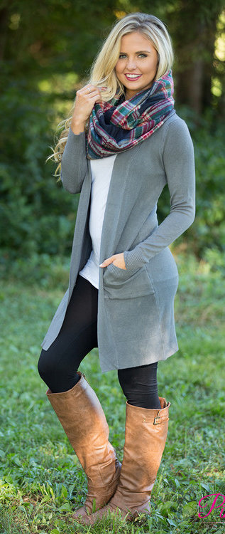 #fall #outfits / Plaid Scarf - Green Cardigan