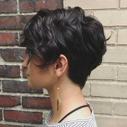 Short Haircuts for Thick Wavy Hair
