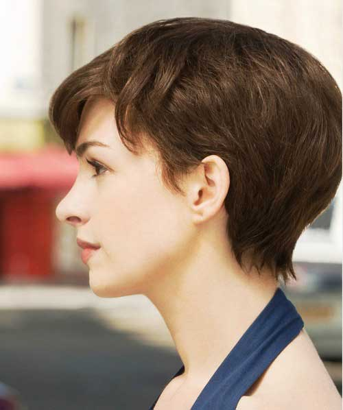 Short Haircuts for Thick Straight Hair-9
