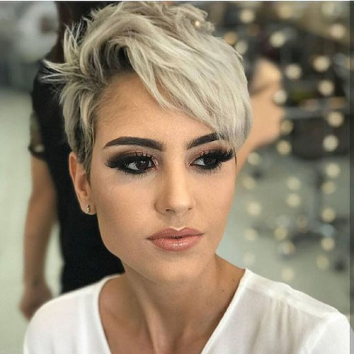 Edgy Blonde Pixie Haircuts-7