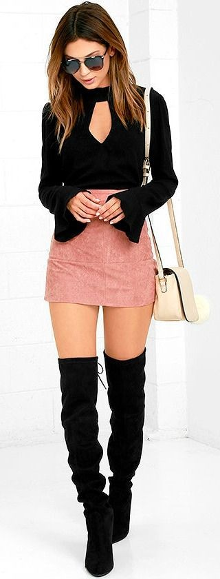 #fall #outfits / All Black - Peach Skirt