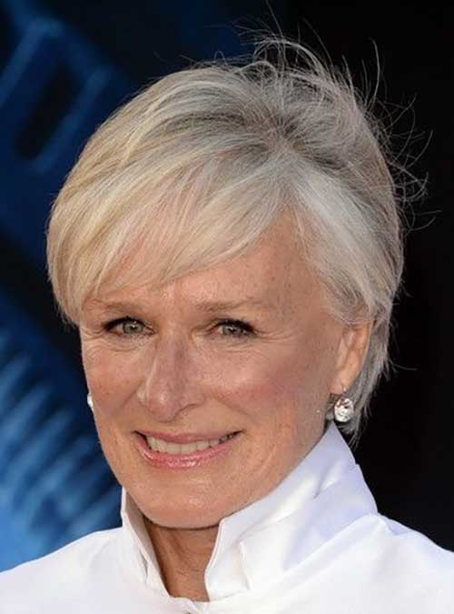 Short Haircuts for Older Ladies-12